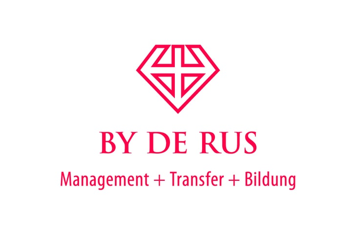 BY DE RUS © Management Transfer Bildung Logo
